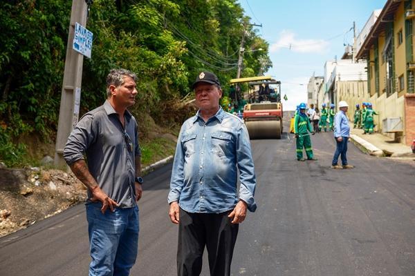 Mais de 15 quilômetros de vias recebem recapeamento no Parque 10, em Manaus