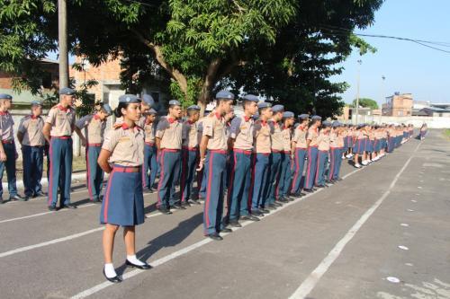 Colégio Militar de Bombeiros lança edital para novos alunos, em Manaus