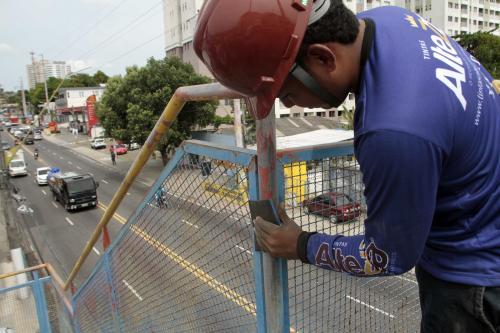 'Adote Manaus' viabiliza revitalização de 23 passarelas na capital