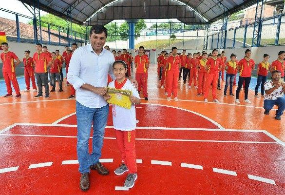 Wilson Lima visita obras de escolas do programa 'Muda Manaus'