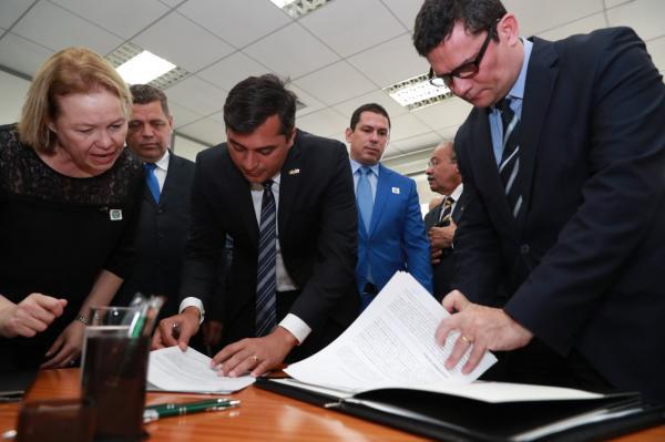 Wilson e Moro inauguram o Centro de Inteligência de Segurança do Norte, em Manaus