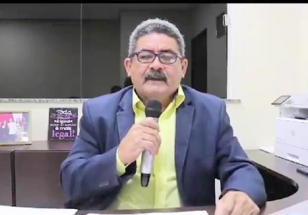 Romeiro já torrou R$ 10, 7 milhões em combustível da Prefeitura, diz Jonas Castro