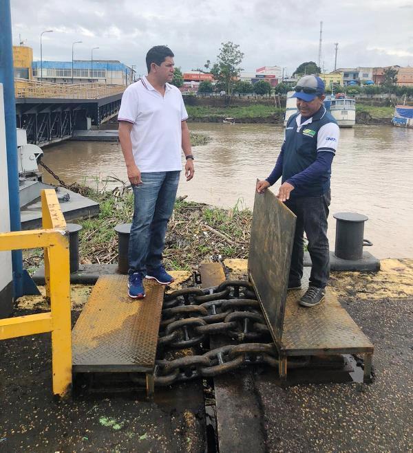 Porto de Parintins ainda não foi reaberto por questões burocráticas, diz Bi Garcia