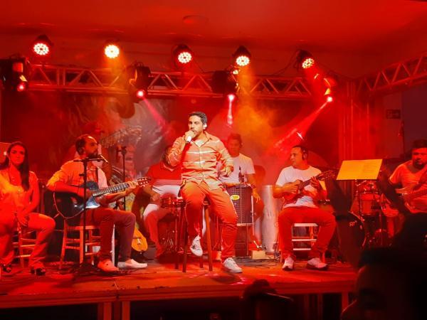 Sebastião Junior faz show em comemoração aos 10 anos no Garantido