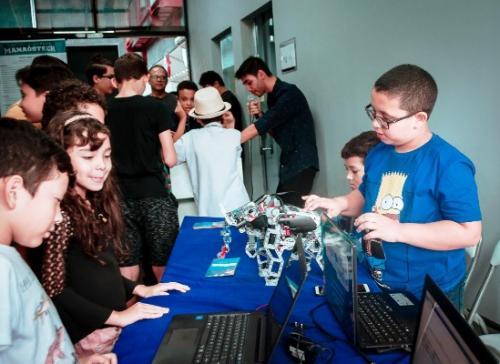 Crianças desenvolvem 22 projetos tecnológicos para atender problemas sociais e urbanos, em Manaus