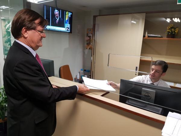 José Ricardo apresenta Projeto para acabar com taxa extra do cheque especial no Brasil