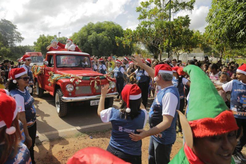 Papai Noel vai ao Parque da Cidade, distribuir brinquedos para crianças