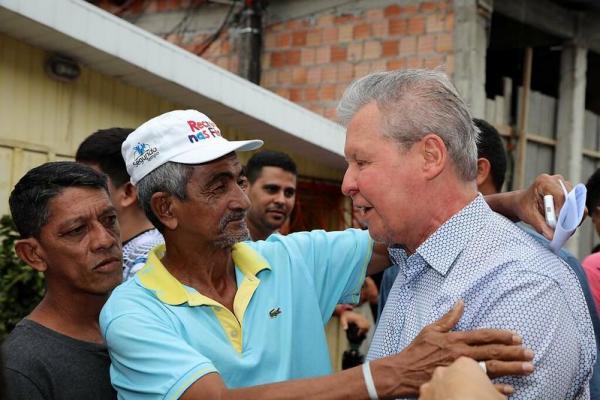 Vítimas do incêndio no Educandos reconhecem assistência da Prefeitura de Manaus