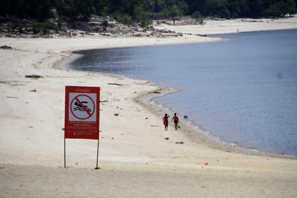 Praia da Ponta Negra, em Manaus, será fechada para banho no Reveillon