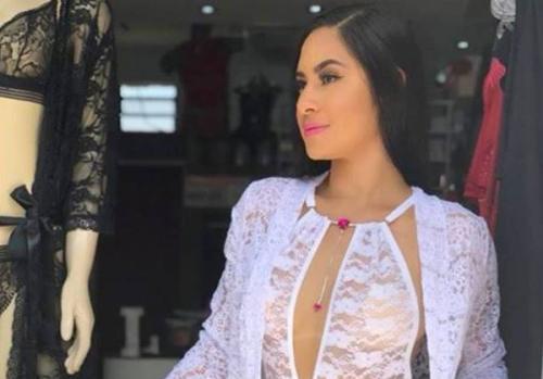 Isabelle Nogueira sensualiza de lingerie branca nas redes sociais