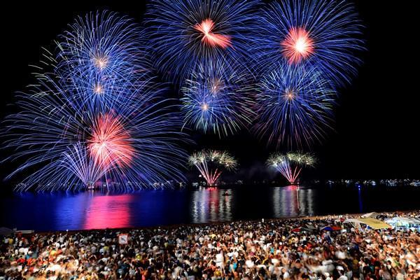 Manaus recebe 2020 com show de Jerry Smith e 30 horas de festa