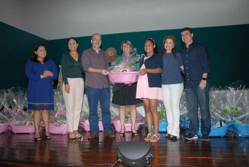 'Kit Cegonha' é lançado, em Manaus, para estimular grávidas ao pré-natal
