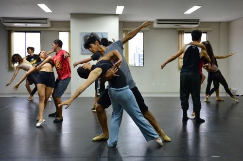 Liceu Claudio Santoro abre inscrições para Oficinas de Balé Clássico, em Manaus