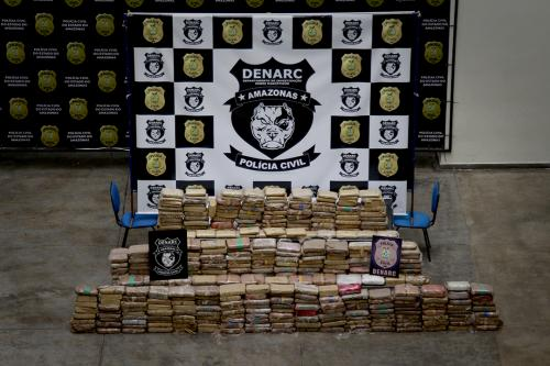 Polícia Civil prende trio com aproximadamente 400 kg de maconha do tipo skunk em bairro de Manaus