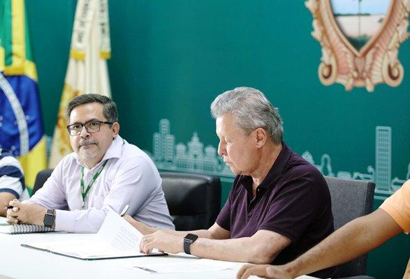 Leis sancionadas por Arthur isentam famílias de baixa renda do pagamento do IPTU
