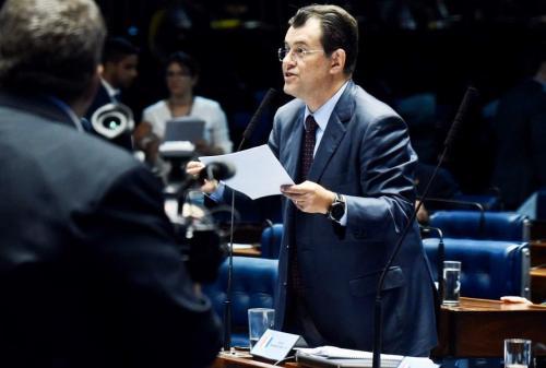 'Redução de IPI do Polo de Refrigerantes afronta política de desenvolvimento sustentável', diz Braga