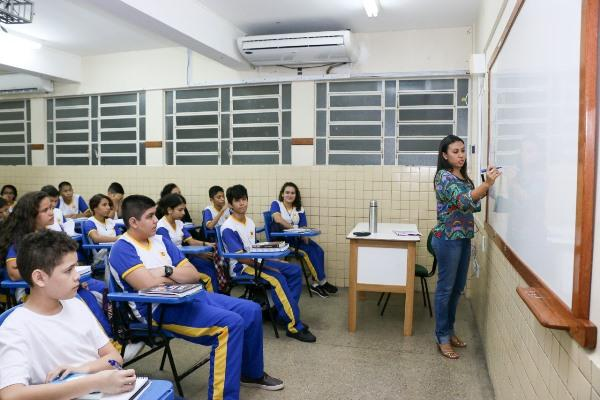 Pago abono do Fundeb a 30 mil professores e pedagogos do AM