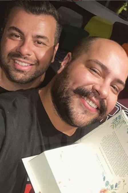 Tiago Abravanel namora produtor que trabalha com o avô Silvio Santos, diz site