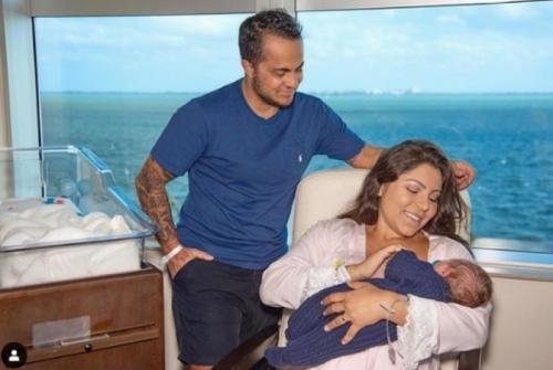 Thammy Miranda compartilha primeira foto do filho Bento