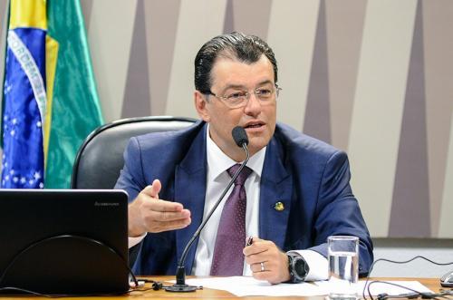 Braga assegura Câmaras para conservação de vacinas em 45 UBS de Manaus