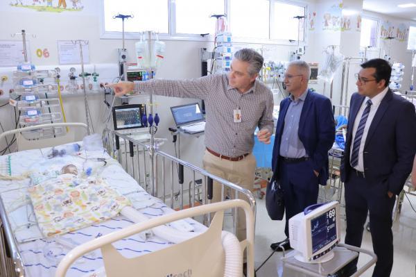 Wilson fecha, em SP, parceria para atender crianças com cardiopatia congênita do AM