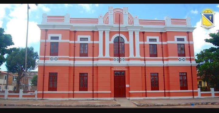 Prefeitura de Ponta de Pedras divulga edital de concurso/2020 com salários de R$ 6,6 mil