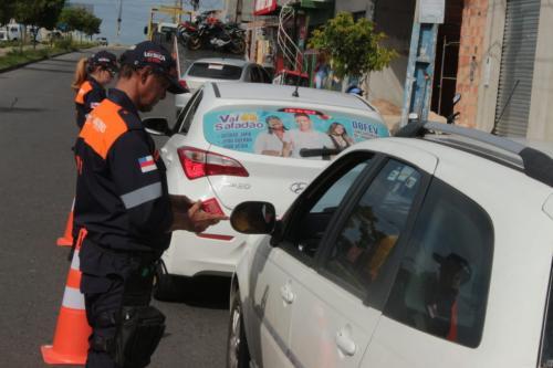 Detran-AM fiscaliza mais de 580 veículos durante operação 'Domínio da Lei'