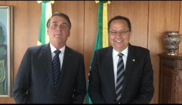 Em vídeo com Silas, Bolsonaro diz que vai reeditar decreto do IPI dos refrigerantes