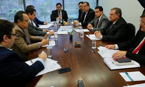 Após Bolsonaro anunciar 8% temporário do IPI, Governo e bancada divulgam Nota em conjunto