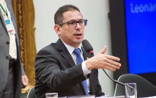 Marcelo Ramos pede a demissão do secretário de Cultura: 'imbecil caricato'