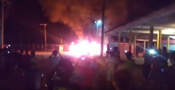 Após assumir morte de criança, homem é esquartejado e queimado por população de Fonte Boa
