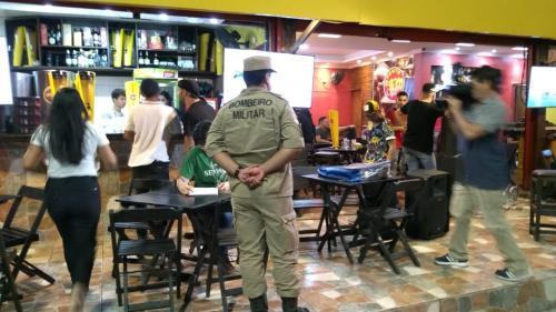 Bares, em Manaus, são lacrados em operação de combate à poluição sonora