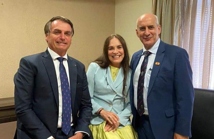 Regina Duarte aceitou convite para assumir Cultura de Bolsonaro, diz colunista