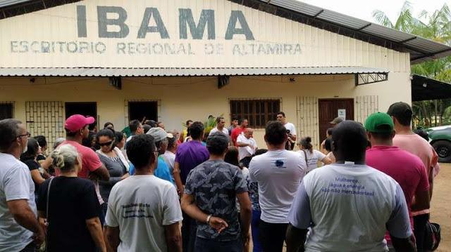 Protesto em Itaituba contra Belo Monte que não reconhece famílias atingidas por barragem