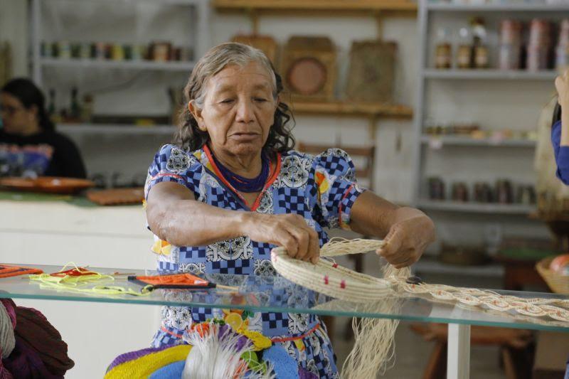 Prefeitura realiza primeira exposição do artesanato indígena Warao de 2020