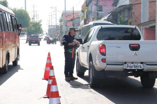 Lei Seca fiscaliza quase 1,8 mil veículos e flagra 45 motoristas alcoolizados em Manaus