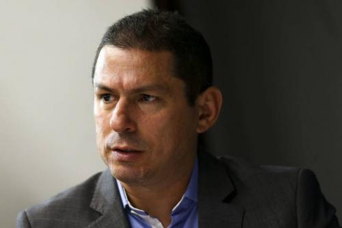 Ramos diz que Menezes fez contrato milionário com construtora de amigo