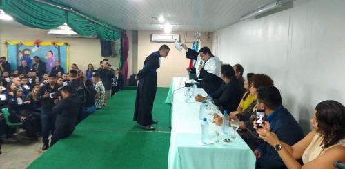 Com 70 formandos, Icsez, em Parintins, tem maior colação de grau da Ufam no interior