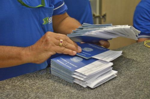 Prefeitura de Manaus oferece 37 vagas de emprego nesta segunda (03)