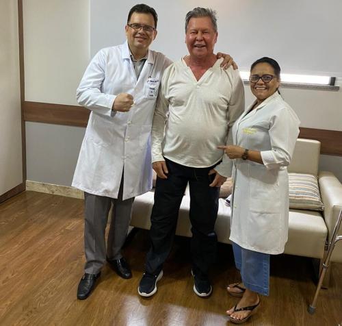 Prefeito Arthur Neto recebe alta hospitalar