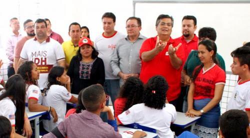 Flávio Dino anuncia novo piso salarial, de R$ 6,3 mil, para professores no MA
