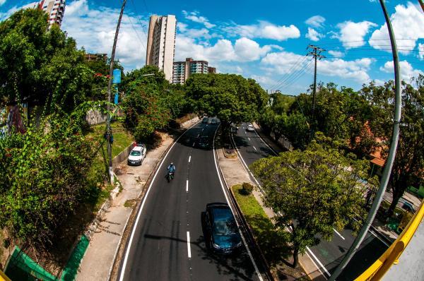 'Manaus nunca viu um volume de obra tão grande', afirma Arthur Neto
