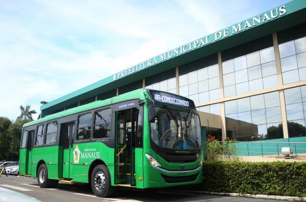 Prefeito de Manaus mantém em R$ 3,80 tarifa pública de ônibus