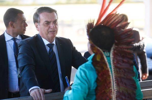 Após criar Secretaria da Amazônia, Bolsonaro decreta autorização de garimpo em terras indígenas