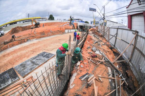 Escavações para novo anel viário da Constantino Nery, em Manaus, entram na etapa final