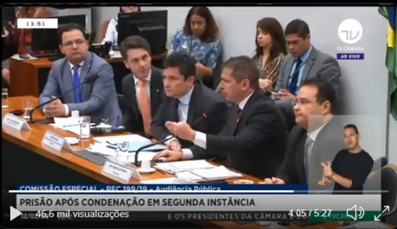 Deputado do PSOL chama Moro de 'capanga da milícia' e ministro rebate: 'desqualificado'