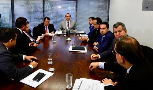 Omar alerta que reforma tributária poderá ser nova manobra contra a Zona Franca