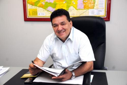 Tony Medeiros poderá requerer mandato de Josué Neto, que saiu do PSD