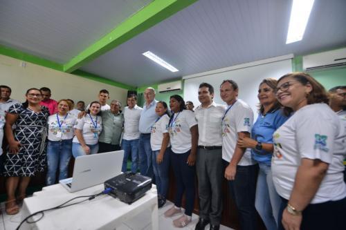 Wilson e ministro da Cidadania visitam programa 'Criança Feliz' no Careiro da Várzea (AM)