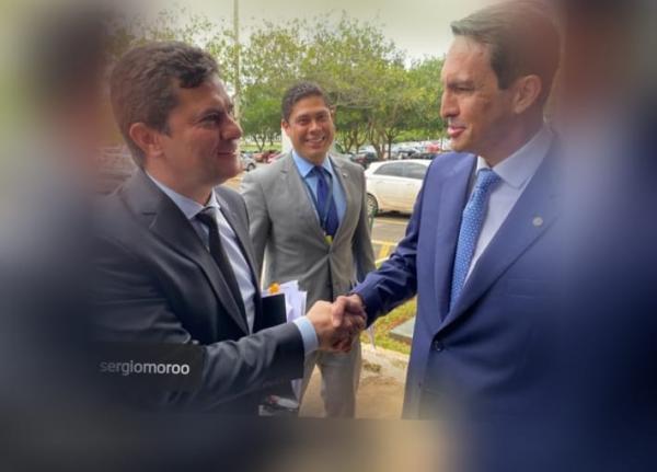 Sidney Leite pede que Moro visite Tabatinga e reúna governadores da Amazônia